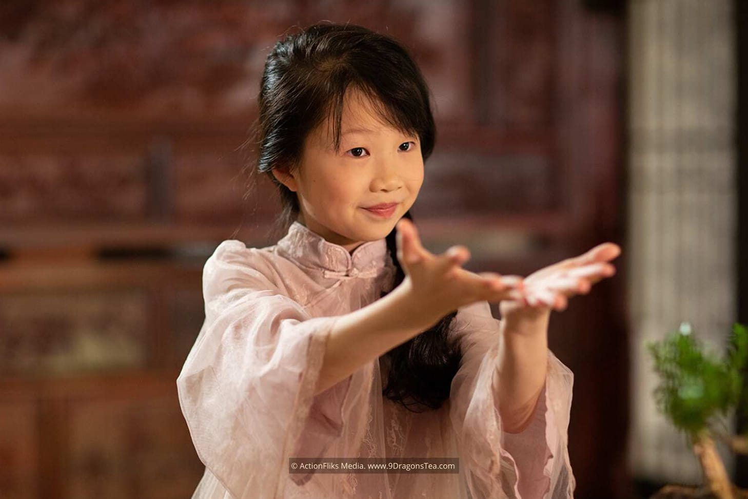 featured image little linda chinese tea rituals gong fu cha ceremony young tea artist