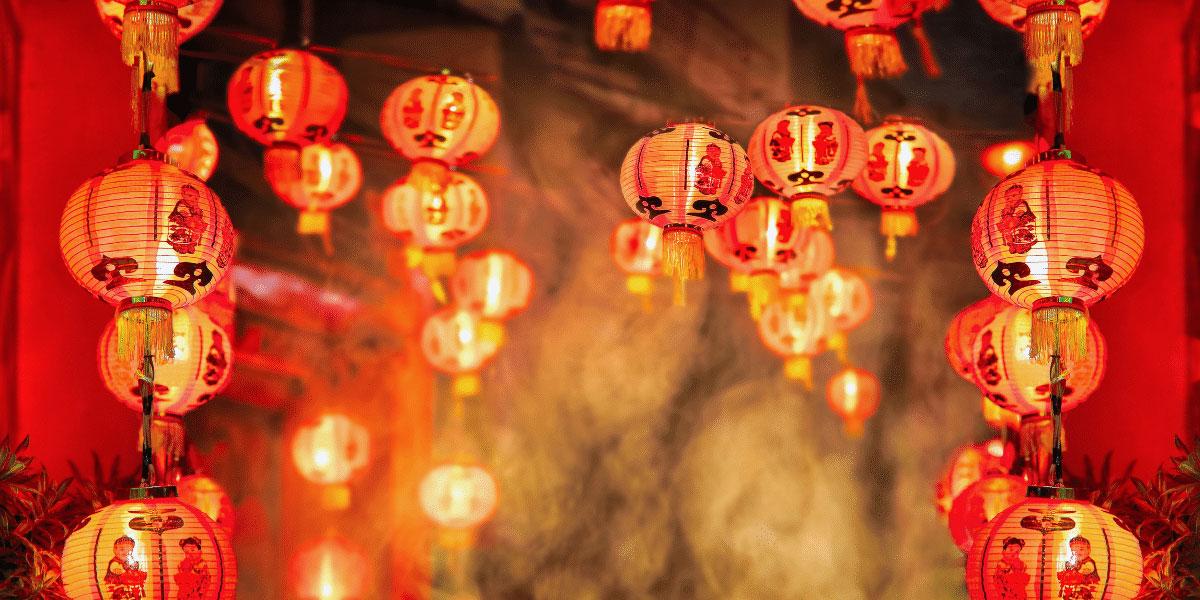 9 dragons tea-cny-lanterns with smoke